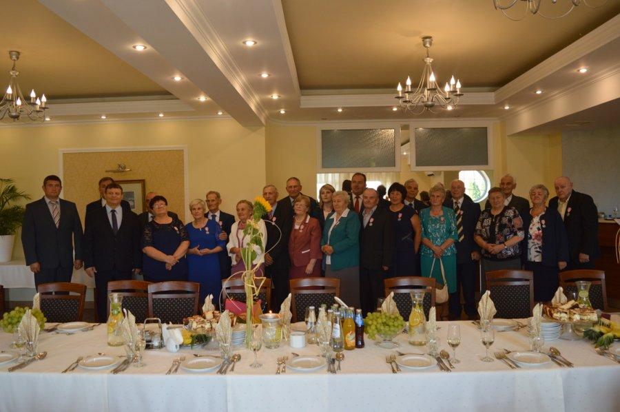 Jubileusz 50-lecia małżeństwa: wójt wręczył medale od prezydenta