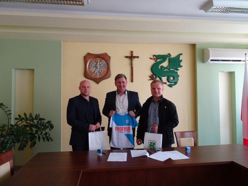 """Beniaminek"" Krosno partnerem UKS ""Tempo"" Nienaszów"